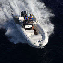 Outboard inflatable boat / semi-rigid / side console / sport