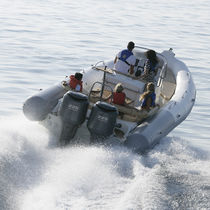 Outboard inflatable boat / twin-engine / RIB / center console